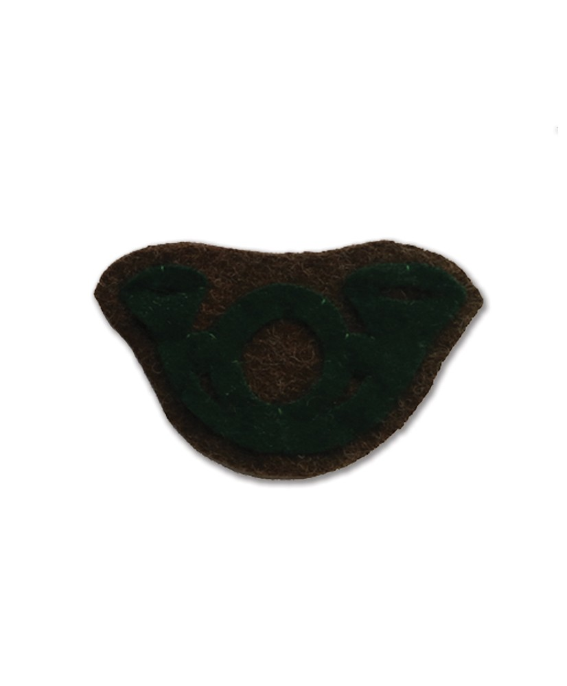 Green hunting horn for beret
